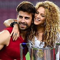 Jugadores de fútbol famosos y sus esposas, Messi, Xavi, Piqué y mas.