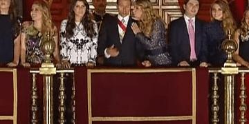 Peña Nieto y Angélica Rivera ''discuten'' durante El Grito De Independencia   2016