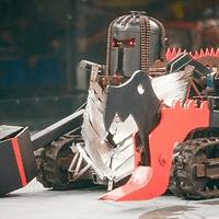 BattleBots es un programa de televisión estadounidense en donde los competidores diseñan y controlan robots armados dirigidos a control remoto para luchar en un torneo. Esta lista contiene las más feroces escenas de battalla del sitio oficial.
