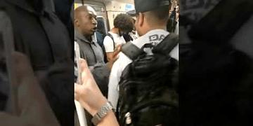 Jovens cantavam RAP no metrô quando entrou um PM fardado